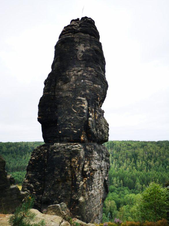 V deželi stolpov
